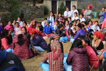 १५ औ महिला स्वास्थ्य स्वय्म सेविका दिवसमा सहभागी स्वास्थ्य स्वय्म सेविका र विद्यार्थी भाइ बहिनीहरु ।